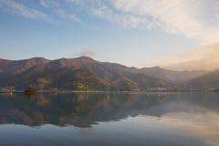 Lago Kawaguchiko en Japón Fotografía de archivo