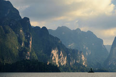 Lago Khao Sok Foto de archivo libre de regalías