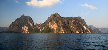 Lago Khao Sok Foto de archivo