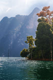 Lago Khao Sok jungle Immagine Stock