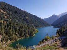 Lago Kolsai mountain en Kazakhstan Imágenes de archivo libres de regalías