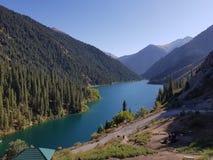 Lago Kolsai mountain en Kazakhstan Imagen de archivo libre de regalías