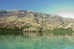 Lago Kournas La isla de Crete imagen de archivo