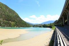 Lago Lago Fortezza e la strada principale Fotografia Stock Libera da Diritti
