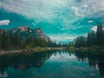 Lago lagoon de Banff, Alberta imagenes de archivo