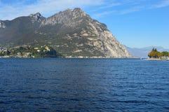 Lago Lecco en la caída, Italia Foto de archivo libre de regalías
