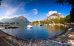 Lago Lecco, Lombardía, Italia Foto de archivo