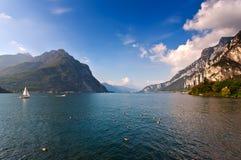 Lago Lecco, Lombardy, Itália imagem de stock