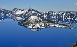 Lago lindo em um dia de mola, Oregon crater Fotos de Stock Royalty Free