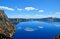 Lago lindo em um dia de mola, Oregon crater Imagem de Stock Royalty Free
