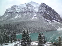 Lago Louise Banff National Park en las montañas rocosas canadienses foto de archivo