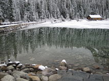 Lago Louise In The Early Spring Imagen de archivo libre de regalías