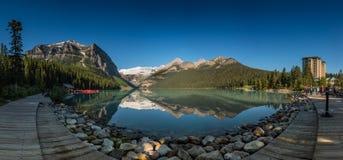 Lago Louise Panorama Boardwalk Imagens de Stock Royalty Free