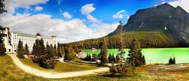 Lago Louise Panorama, canadese Montagne Rocciose Immagine Stock