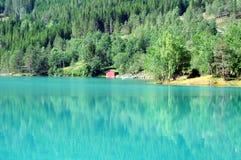 Lago Lovatnet, Noruega Foto de archivo
