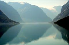 Lago Lovatnet, Norvegia Fotografia Stock