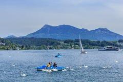 Lago Lucerna un giorno nuvoloso in primavera Fotografia Stock