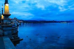 Lago lucerne en la oscuridad Fotografía de archivo libre de regalías