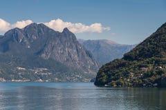 LAGO LUGANO, SWITZERLAND/EUROPA - 21 DE SETEMBRO: Vista do lago Lu foto de stock