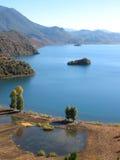 Lago Lugu, China Foto de archivo