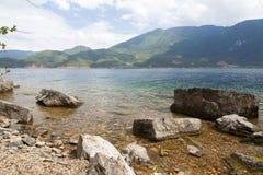 Lago Lugu nel Yunnan, Cina Fotografie Stock