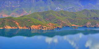 Lago Lugu, o reino das mulheres Fotografia de Stock Royalty Free