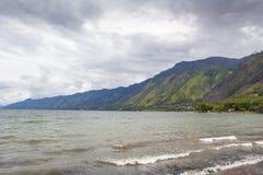 Lago Lut Tawar Aceh con la visión nublada Fotos de archivo libres de regalías