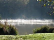 Lago místico em uma manhã da mola Fotos de Stock Royalty Free