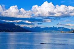 Lago Maggiore ed alpi svizzere Fotografie Stock