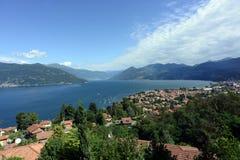 Lago Maggiore em Luino, Itália Fotografia de Stock