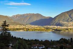 Lago Maggiore na Września ranku Szwajcaria zdjęcie stock