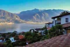Lago Maggiore na Września ranku Szwajcaria obraz stock