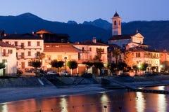 Lago Maggiore no crepúsculo foto de stock royalty free