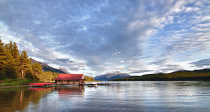 Lago Maligne - Canadá Foto de archivo
