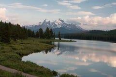 Lago Maligne no parque nacional de jaspe, Alberta, Canadá - estoque Imagem de Stock Royalty Free