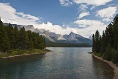 Lago Maligne - parque nacional del jaspe Foto de archivo libre de regalías