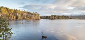 Lago Mallachie en Escocia Foto de archivo libre de regalías