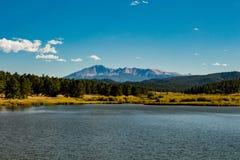 Lago Manitou, Pikes Peak fotos de archivo libres de regalías
