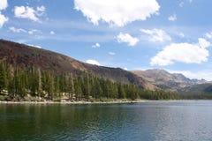 Lago Mary no Mammoth, Califórnia Fotografia de Stock Royalty Free