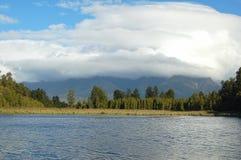 Lago Matheson - país de los glaciares Imagenes de archivo