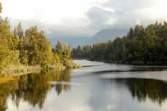 Lago Matheson - país de los glaciares Fotos de archivo libres de regalías