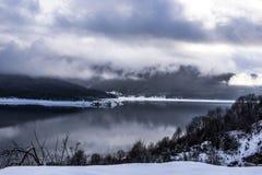 Lago Mavrovo Fotografie Stock