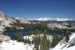 Lago may, passagem de Tioga, Yosemite Imagens de Stock Royalty Free