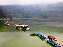 Lago Menjer situado na cidade de Wonosobo em Java Indonesian central imagens de stock royalty free