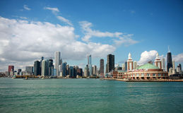 Lago Michigan e skyline de Chicago Foto de Stock Royalty Free