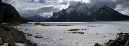 Lago Minnewanka Fotografía de archivo