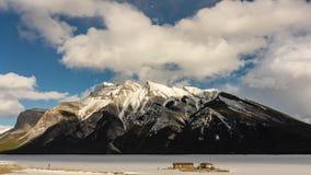 Lago Minnewanka Banff Alberta almacen de video