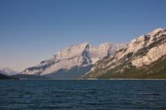 Lago Minnewanka - parque nacional de Banff Fotografía de archivo libre de regalías