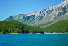 Lago Minnewanka parque nacional em Banff, Banff, Banff, Alberta, Canadá imagem de stock royalty free