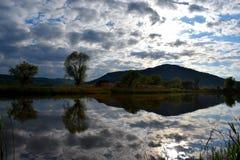Lago mirror imagem de stock